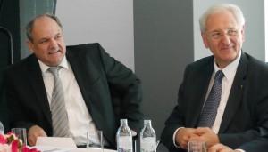 v.l.: Dr. Klaus Schaubmayr, GF Berufsgruppe Lackindustrie - Dr. Albert Keiler, FCIO Obmann Stv. (Foto: Österreichische Chemie Zeitschrift)