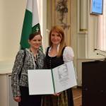 Sandra Schlögl (Senior Researcher am PCCL) und Simone Radl (Researcher am PCCL) bei der Verleihung des Josef Krainer Förderungspreis 2016 in der Aula der alten Universität.   Foto: PCCL