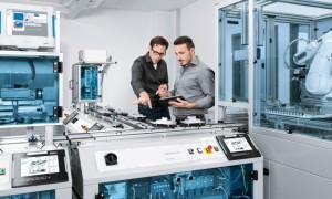 Qualifikation 4.0: Lernen für die digitale Produktion mit der CP Factory – der cyber-physischen Lern- und Forschungsplattform. | Foto: FESTO