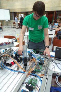 Übungsstationen von Festo Didactic kamen beim ersten österreichischen Lehrlingsteamwettbewerb zum Thema Industrie 4.0 zum Einsatz. | Foto: Festo / Draper / Contentmanufaktur