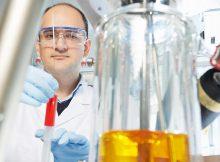 Wissenschaftler im Institut für Polymerforschung haben ein neues Verfahren für Membranmaterialien entwickelt. Das neue Material zeigt eine fünffach höhere Permeabilität. | Foto: Christian Schmid/HZG