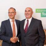 Werner Baumann (links), Vorsitzender des Vorstands der Bayer AG, und Hugh Grant, Chairman und Chief Executive Officer von Monsanto. | Foto: Bayer