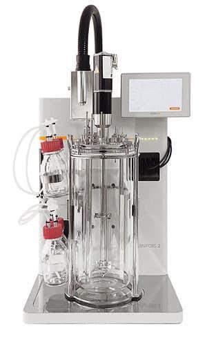 Die nahtlose Kombination dieses innovativen PAT-Systems von SCHOTT, INFORS HT und tec5 ermöglicht die Bioprozess-Überwachung im Reaktor unter Anwendung von Raman -Spektroskopie. | Foto: SCHOTT